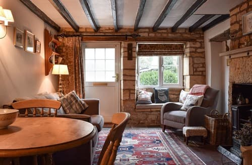 Last Minute Cottages - Wonderful Bourton On The Hill Cottage S137961
