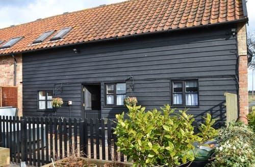 Last Minute Cottages - The School Room