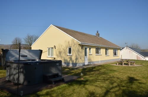 Big Cottages - Captivating Clynderwen Cottage S137968