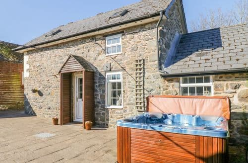Last Minute Cottages - Inviting Carno Cottage S138155