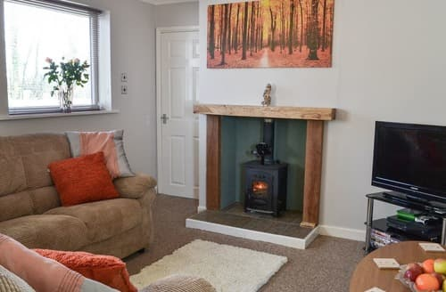 Last Minute Cottages - Inviting Cumberworth Cottage S138302