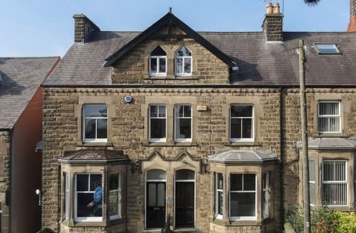 Dog Friendly Cottages - Charming Matlock Apartment S138304