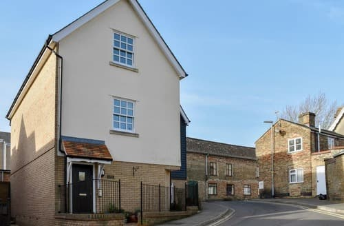 Last Minute Cottages - Inviting Ely Apartment S138311