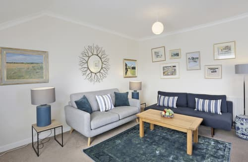 Last Minute Cottages - Stunning Southwold Apartment S138521