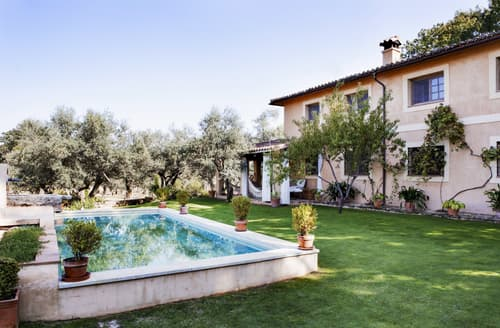 Last Minute Cottages - Villa Zefarina