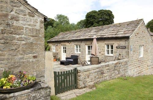 Dog Friendly Cottages - Inviting Nr Masham Cottage S138534