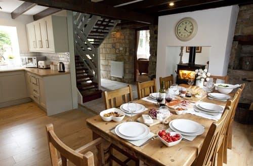 Dog Friendly Cottages - Captivating Whitby Cottage S138537