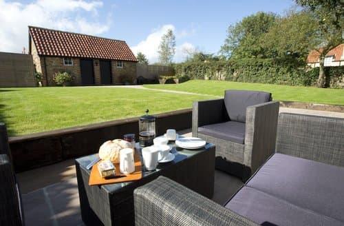 Big Cottages - Quaint York Cottage S138575