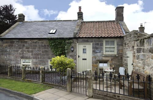 Last Minute Cottages - Exquisite Aislaby Cottage S138590