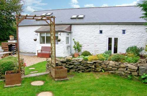 Last Minute Cottages - Captivating  Cottage S92521