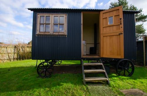 Last Minute Cottages - Elsie's Shepherds Hut