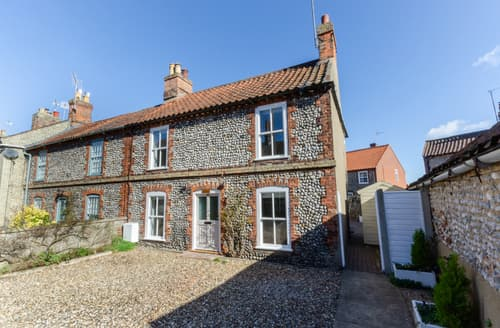 Last Minute Cottages - Charming Holt Cottage S138923