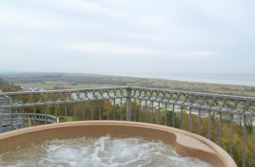 Last Minute Cottages - Beautiful Laugharne And Llansteffan Apartment S45602