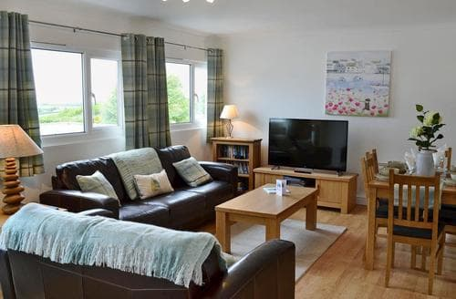 Dog Friendly Cottages - Lovely Padstow Apartment S80666