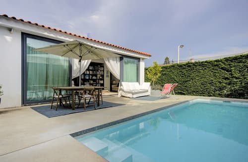 Last Minute Cottages - Villa Rute