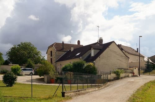 Last Minute Cottages - Chez Jurvilliers - G324