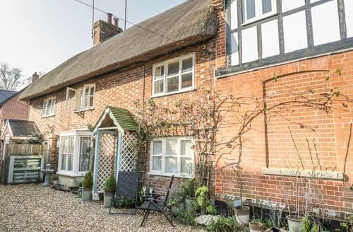 Last Minute Cottages - Gorgeous Pewsey Cottage S139294