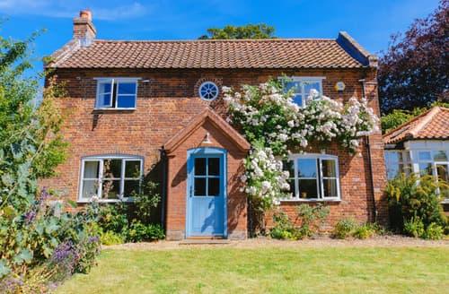 Last Minute Cottages - Lovely Burnham Thorpe Cottage S139307