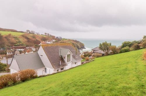 Last Minute Cottages - Spinnaker, Cadgwith