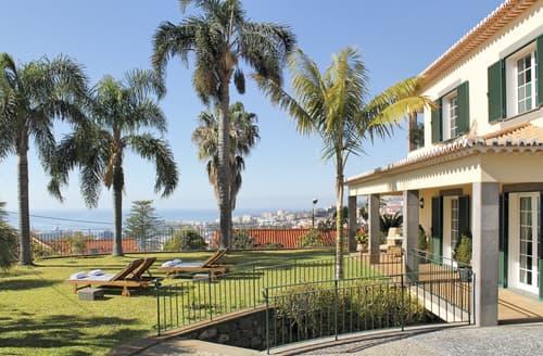 Last Minute Cottages - Villa Ariedam