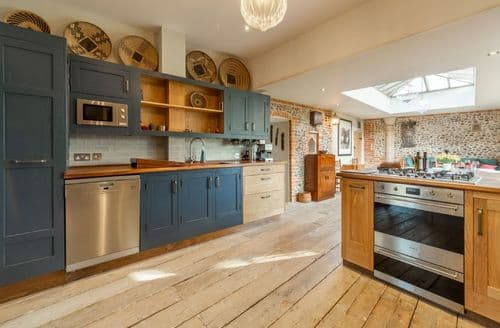 Last Minute Cottages - Cosy Fakenham Cottage S139446