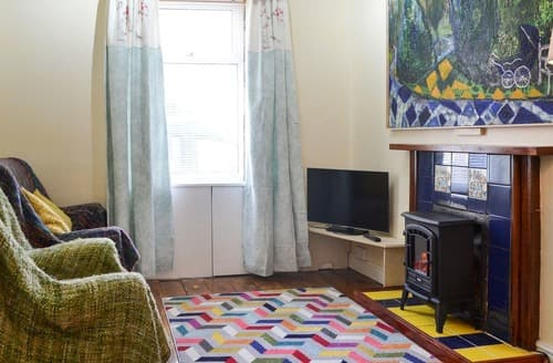 Last Minute Cottages - Beautiful Holyhead Cottage S139458