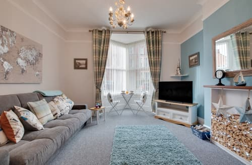 Last Minute Cottages - Beautiful Whitby Apartment S139470