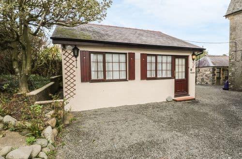 Last Minute Cottages - Quaint Criccieth Cottage S139526
