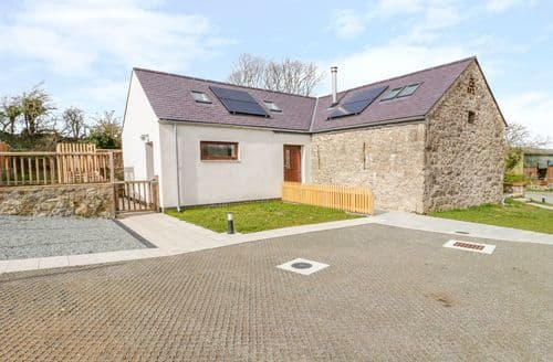 Last Minute Cottages - Cosy Llangefni Cottage S139627