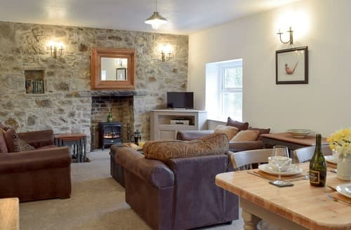 Last Minute Cottages - Cosy Talley Cottage S139670