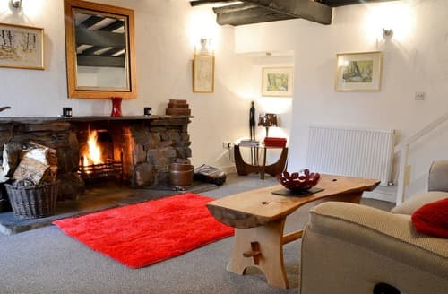 Dog Friendly Cottages - Tasteful Wood Broughton Cottage S139756