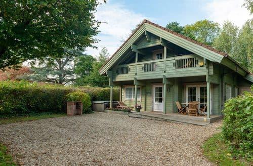Big Cottages - Woodpecker Lodge