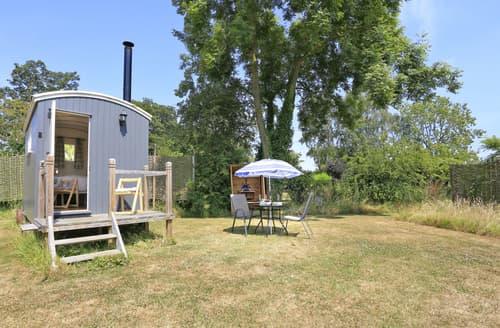 Last Minute Cottages - Excellent Toft Monks Lodge S139957