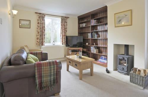 Last Minute Cottages - Attractive Westleton Cottage S139960