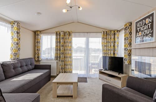 Last Minute Cottages - Luxury Sherwood Forest Lodge S139981