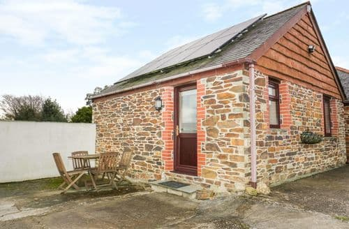 Last Minute Cottages - Little May