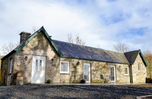 Dog Friendly Cottages - Stunning Enochdhu Cottage S140114