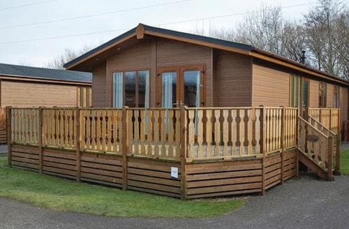 Last Minute Cottages - Tasteful Carnforth Lodge S140241