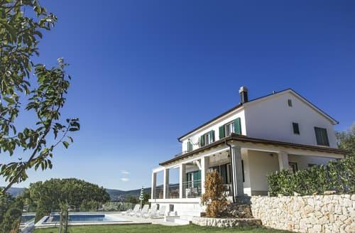 Last Minute Cottages - Villa Carola
