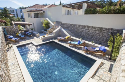 Last Minute Cottages - Villa Zeus