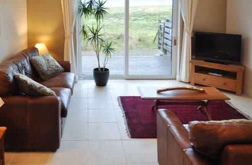 Last Minute Cottages - Lurch Apartment