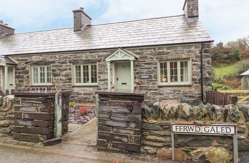 Last Minute Cottages - Exquisite Tregarth Cottage S140700