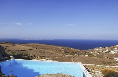 Last Minute Cottages - Villa Theta