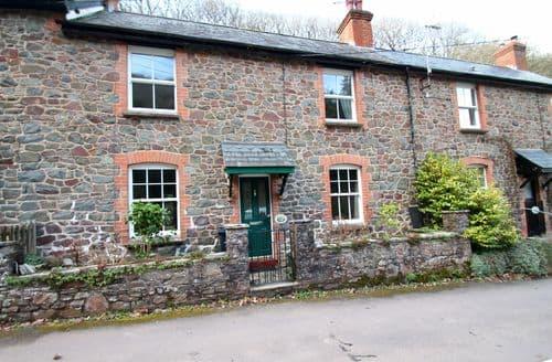 Last Minute Cottages - Robins Brook, Porlock