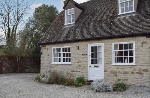 Last Minute Cottages - Manor Barn Cottage