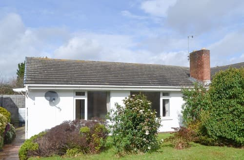 Last Minute Cottages - Lovely Lymington Cottage S140979