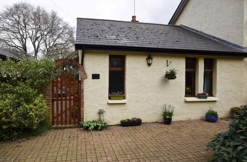 Last Minute Cottages - Delightful Newport Cottage S140984