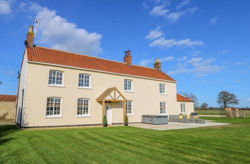 Last Minute Cottages - Tuft House