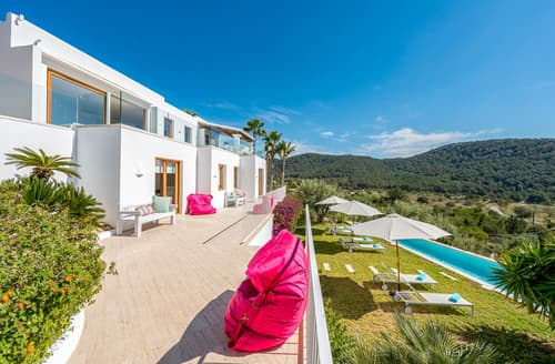 Last Minute Cottages - Villa Fontsanta