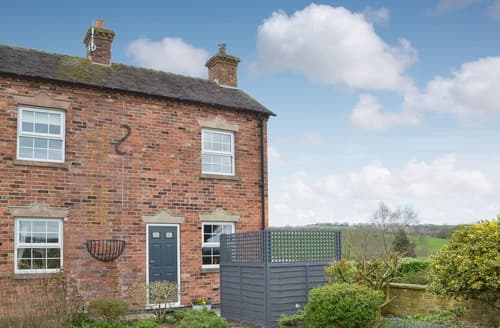 Last Minute Cottages - Inviting Dilhorne Cottage S141094